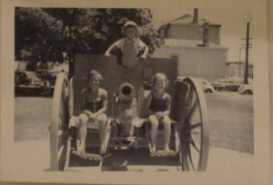 Jane, Richard and EB on the cannon, with Pipiriki in the background, 1964. This would have been Helen's first time at Victor, but she was way too little to be in the pic