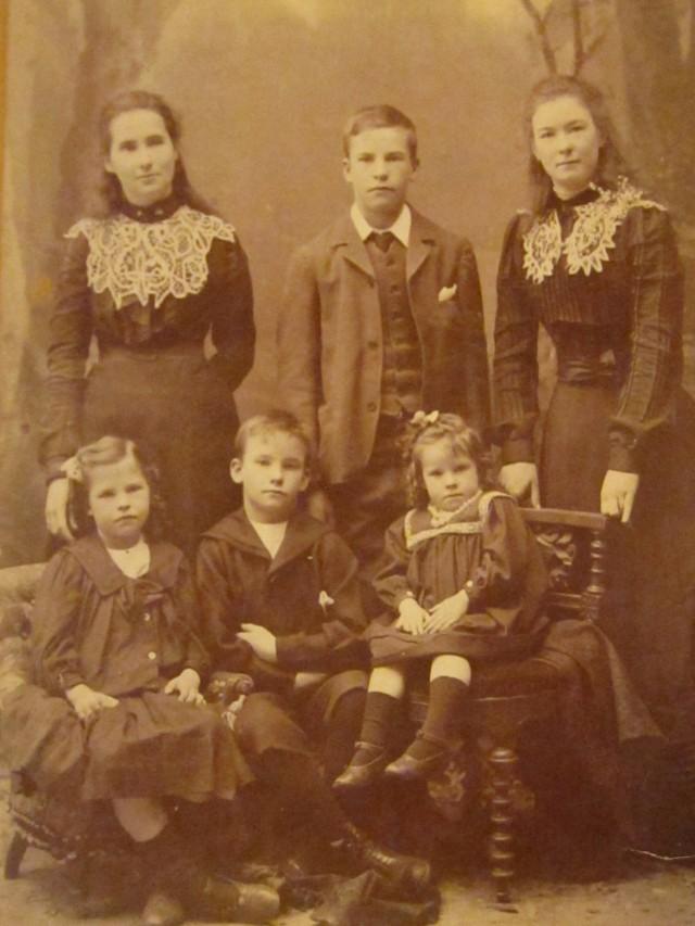 Mama 1900