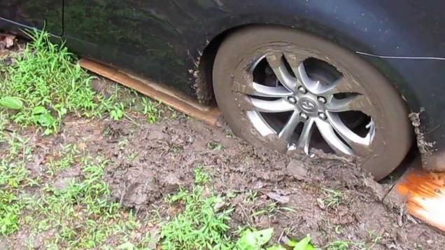 Bogged car 4