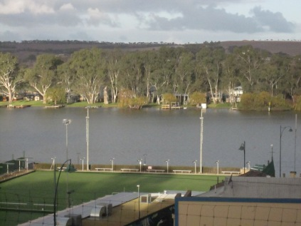 Looking across the river from above Mannum